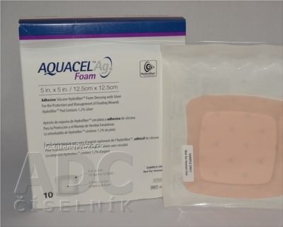 AQUACEL Ag foam Hydrofiber krytie na rany adhezívne so striebrom, 12,5 x12,5 cm, 1x10 ks