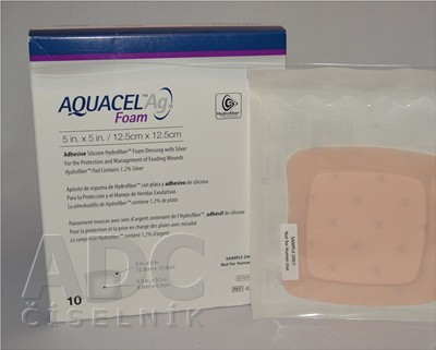 AQUACEL Foam Hydrofiber krytie na rany adhezívne penové, silikónový okraj, 12,5x12,5 cm, 1x10 ks